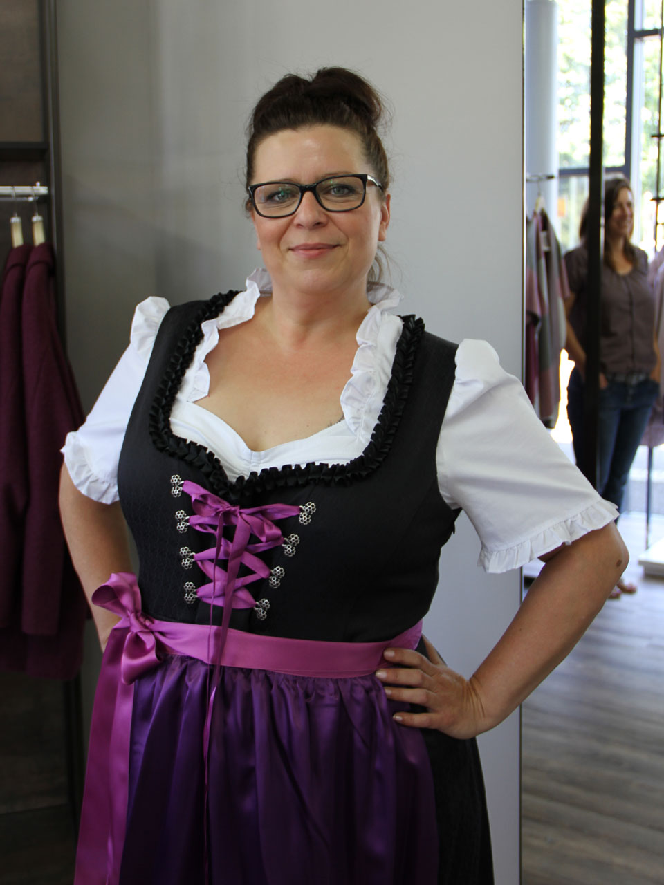 heike in unserem lieblings dirndl mode 58. Black Bedroom Furniture Sets. Home Design Ideas
